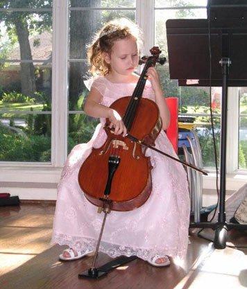 Young cellist - Lake Oswego Suzuki